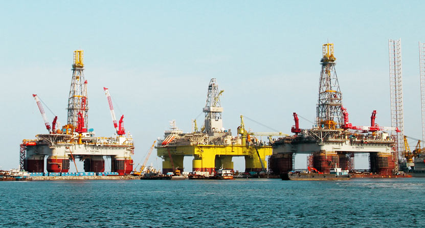 Offshore oil drilling platforms delivered by CIMC have covered